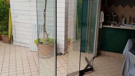 Vetrata pieghevole SLIDE su portico esterno