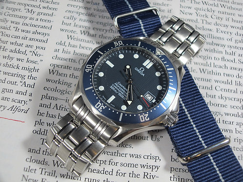 "Near NOS 2007 Omega Seamaster Professional 300, Ref. 2531.80 ""Bond"" Auto Diver"