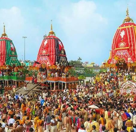 """פסטיבל """"מסע המרכבה"""" (Ratha Yatra) במדינה אודישה בצפון מזרח הודו"""