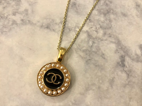 Black, Gold, & Pearl CC Necklace