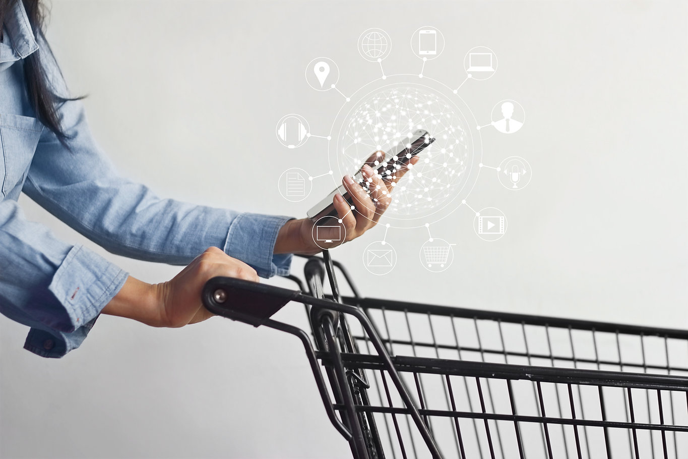 woman using mobile payments online shopp