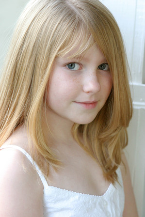 Kristen,haircut,white,2009,portrait3338.