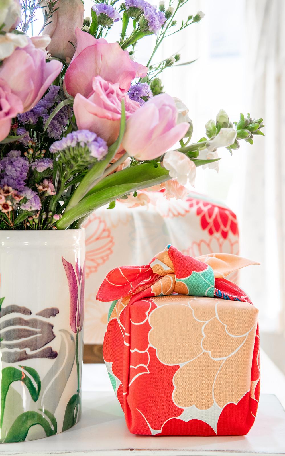 Zusetsu store furoshiki, flowers and gifts