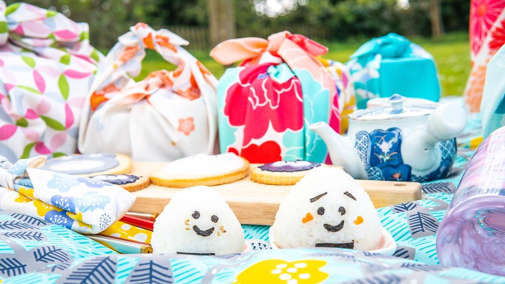 picnic, hanami, cherry blossom, sakura, furoshiki, onigiri, biscuits, Totoro, Zusetsu Store