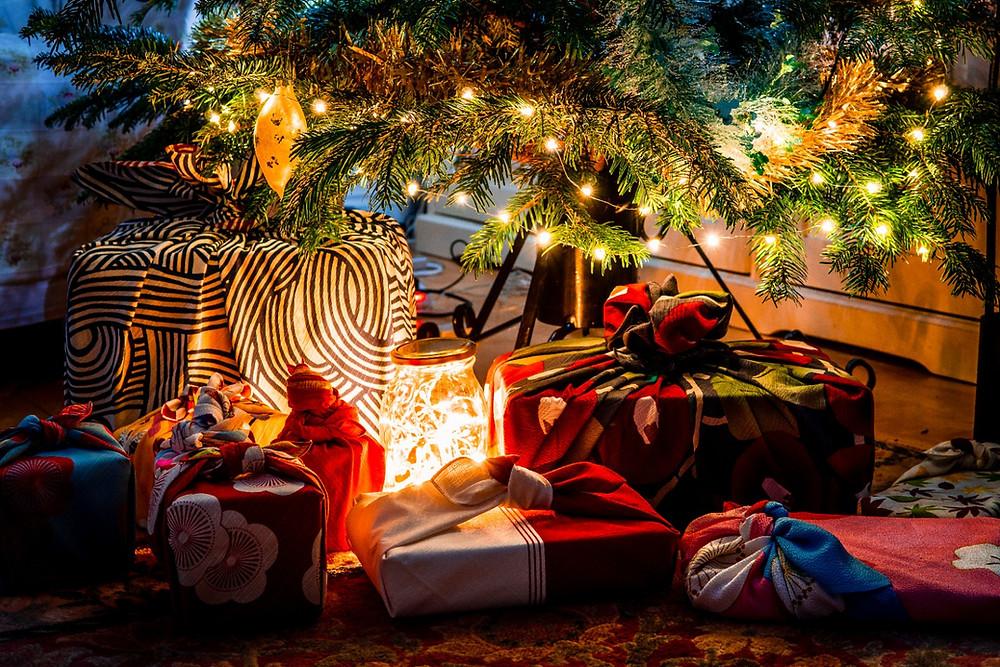 Christmas present, Christmas tree, furoshiki, gift-wrap, presents, Zusetsu Store, furoshiki store