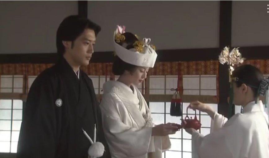 Japanese Shinto wedding, sake, Zusetsu furoshiki