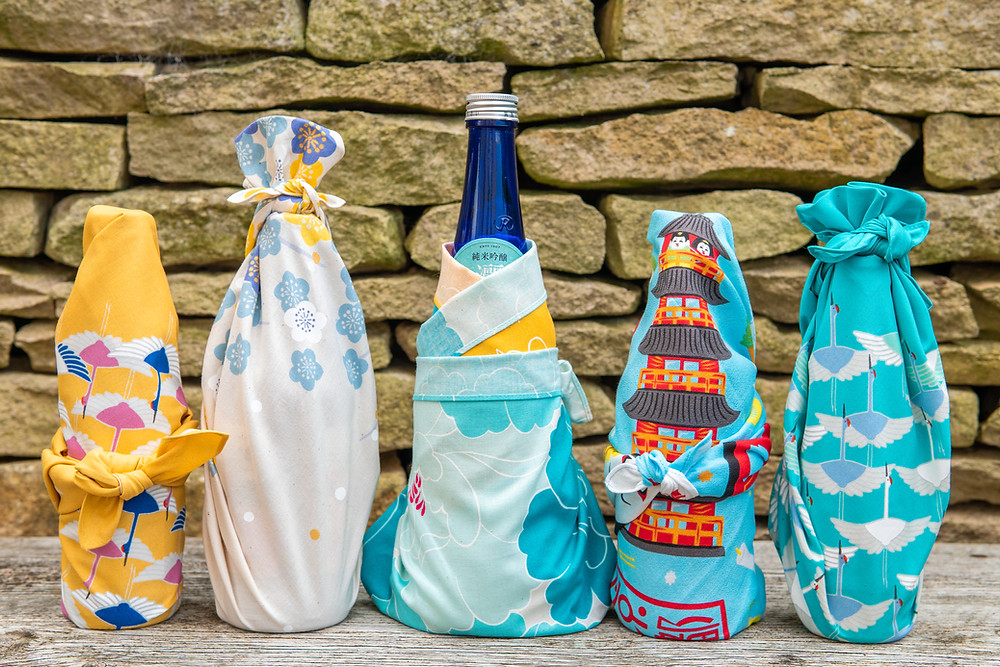 Zusetsu furoshiki, japanese fabric wrap, gift wrapping, presents, birthday
