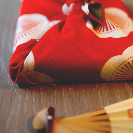 Make it special: how to wrap a present!