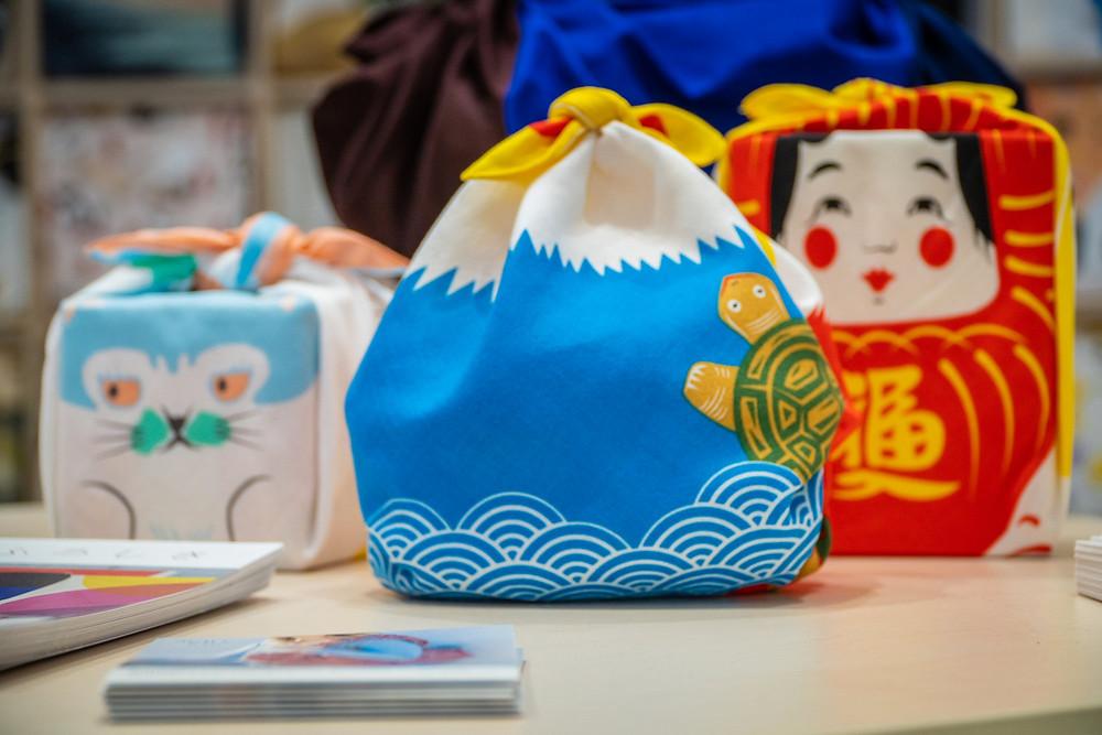 Kyoto, tradition, purse, bag, furoshiki, wrapping, giftwrap, Christmas, gifts, presents, sustainable, reuse