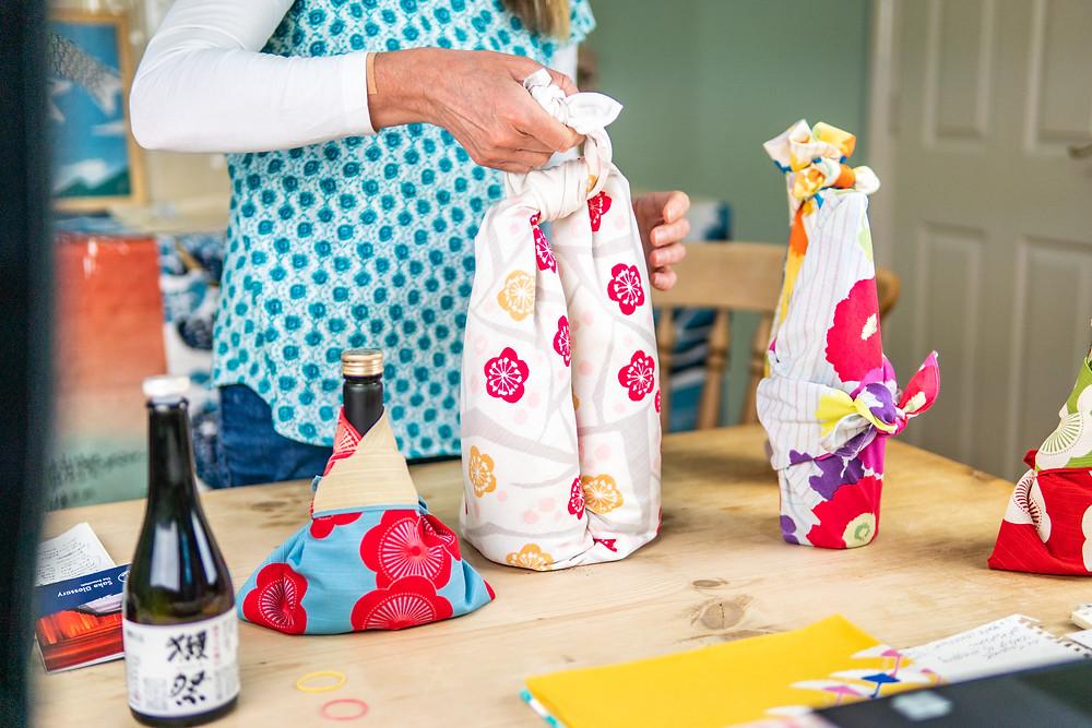 Zusetsu furoshiki online workshop giftwrapping