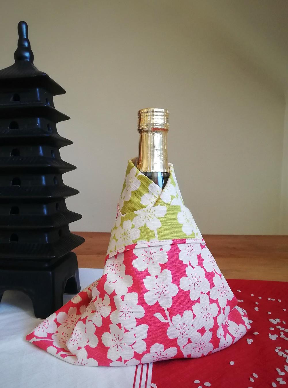 Zusetsu furoshiki bottle wrap gift