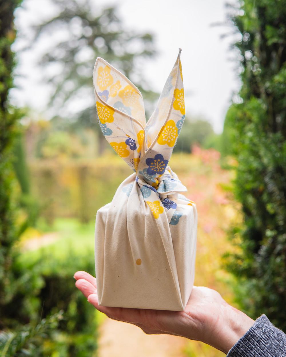 Zusetsu store furoshiki gift wrap fabric wrap Japanese wrapping