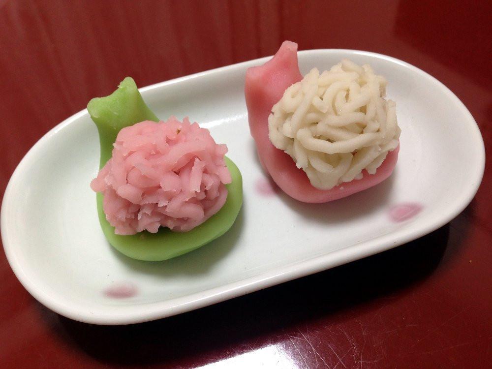 Japanese sweets wagashi mochi hinamatsuri Zusetsu store furoshiki