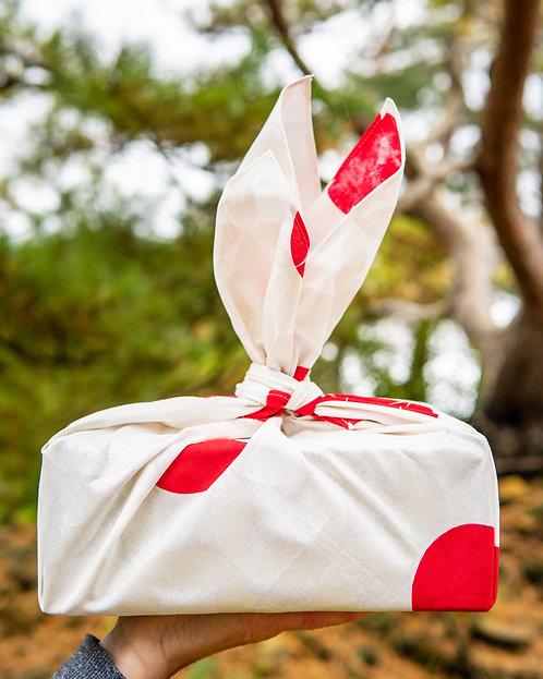 70cm Hare Tsutsumi Furoshiki | Seven Treasures White Red