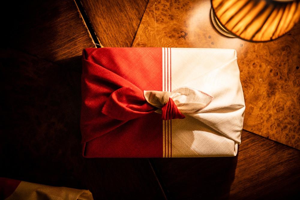 purse, bag, furoshiki wrapping, giftwrap, Christmas, gifts, presents