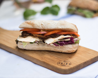 Roast chicken with caramelized onions, tomato, lettuce & mayo