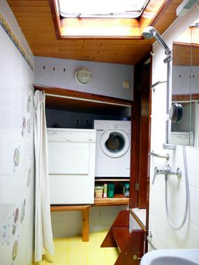 W&D in bow bath.jpg