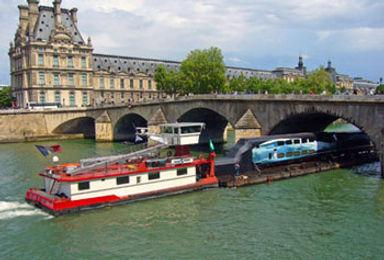 TGV-sur-la-Seine3.jpg