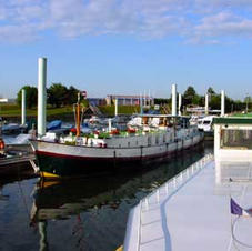 Mooring near friends in Chalon's port on the Saône River
