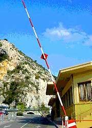 Italian_border.jpg