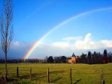 rainbow-over-chateau.jpg