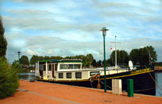 moored_in_Roanne.jpg