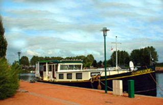 moored_in_Roanne.jpg