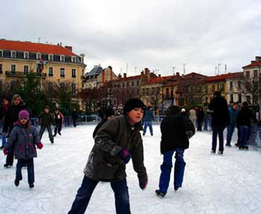 Roanne-ice-rink.jpg