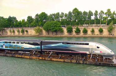 TGV-sur-la-Seine2.jpg