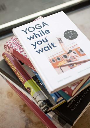 8BAR_Yoga_while_you_wait.jpg