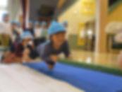 ホールでの体操遊び.JPG