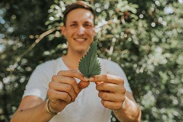 Kevin Nobs ist ausgebildeter Naturheilpraktiker mit einer Praxis in Bern