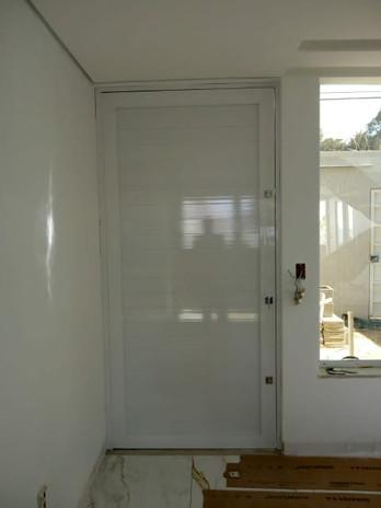 Porta Esquadria Lambri.