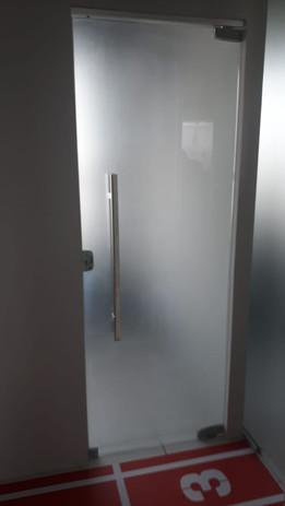 Porta Pivotante Temperado.