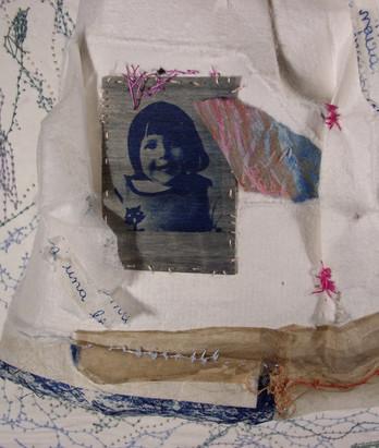 Disruption (Series Cucas/Paper Dolls)