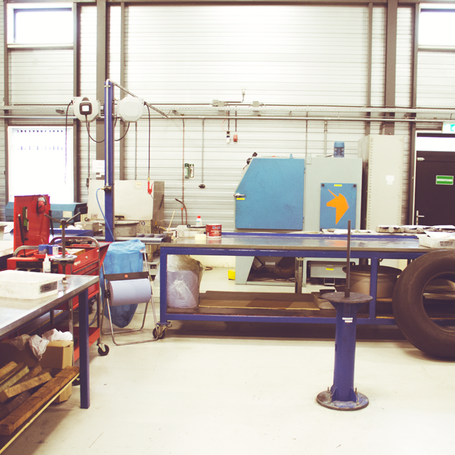 Our shop is fully equipped. We can do every repair according the cmm's.