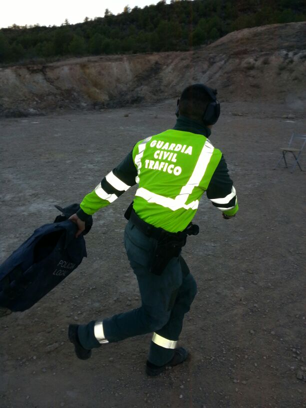 auxilio compañero guardia civil