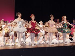 Cinderella1-ballettschule-erdweg-aachen.