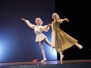 Cinderella5-ballettschule-erdweg-aachen.