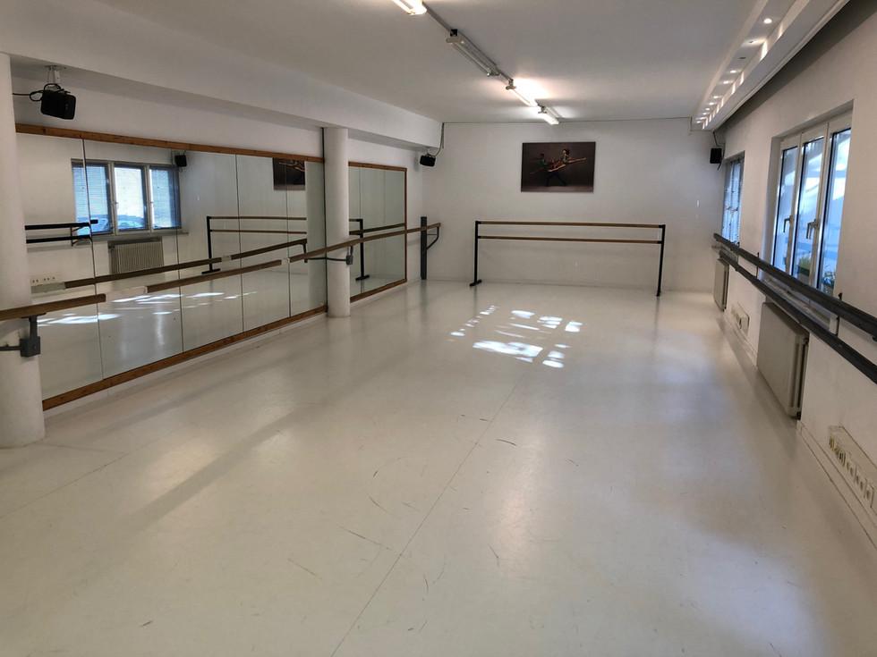 saal1-balletschule-erdweg-aachen.jpeg