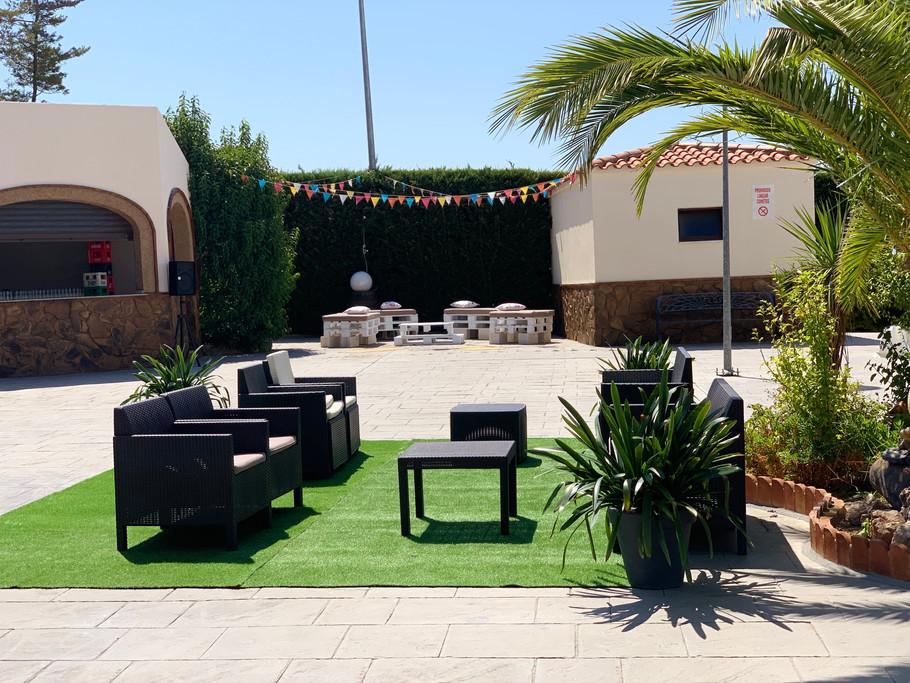 Jardines exteriores salón celebraciones