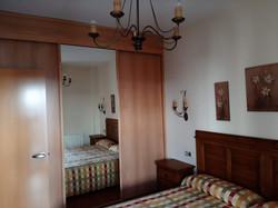 apartamentos turisticos azuaga armario
