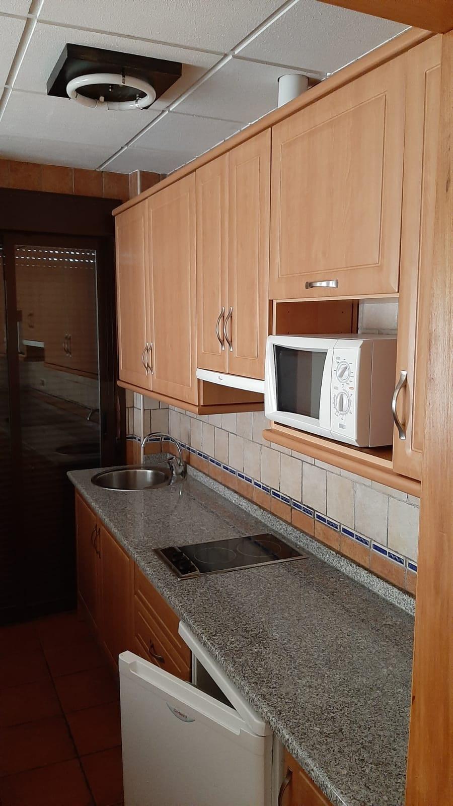 apartamento turístico azuaga cocina.jpg