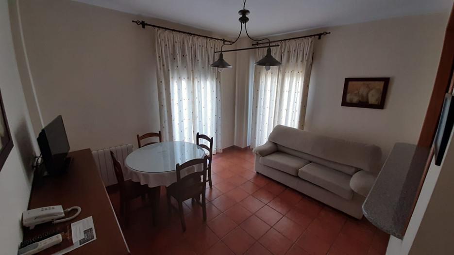apartamento turístico azuaga salón.jpg