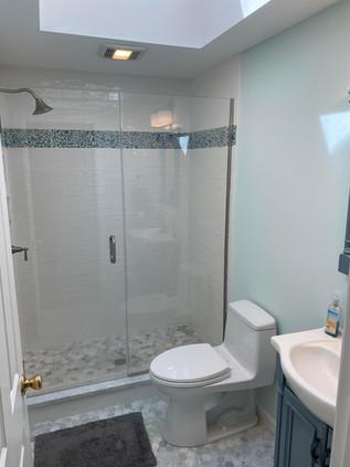 Shared Bath 2nd Floor