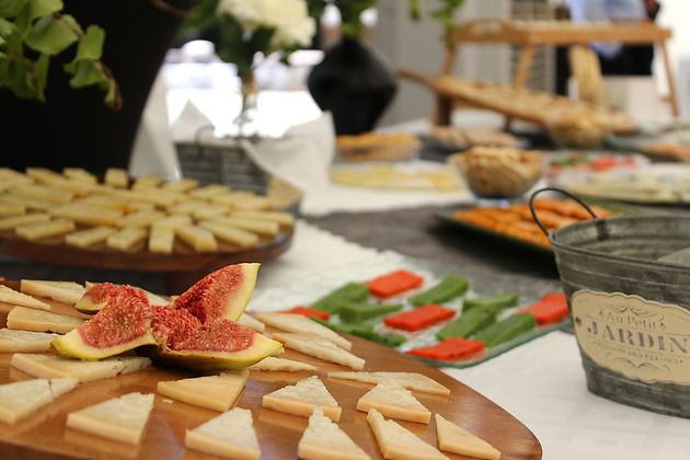 mesa de quesos.JPG