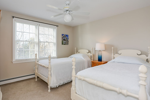 Second floor bedroom with twin beds