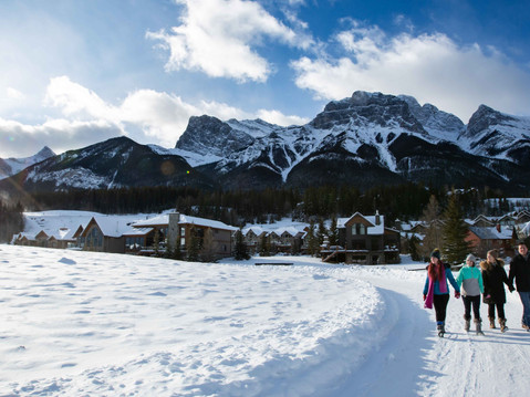 Kicking Off 2020 - Canmore Family Portrait