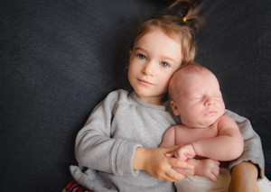 Sibling Love - family of 3 welcomes a 4th