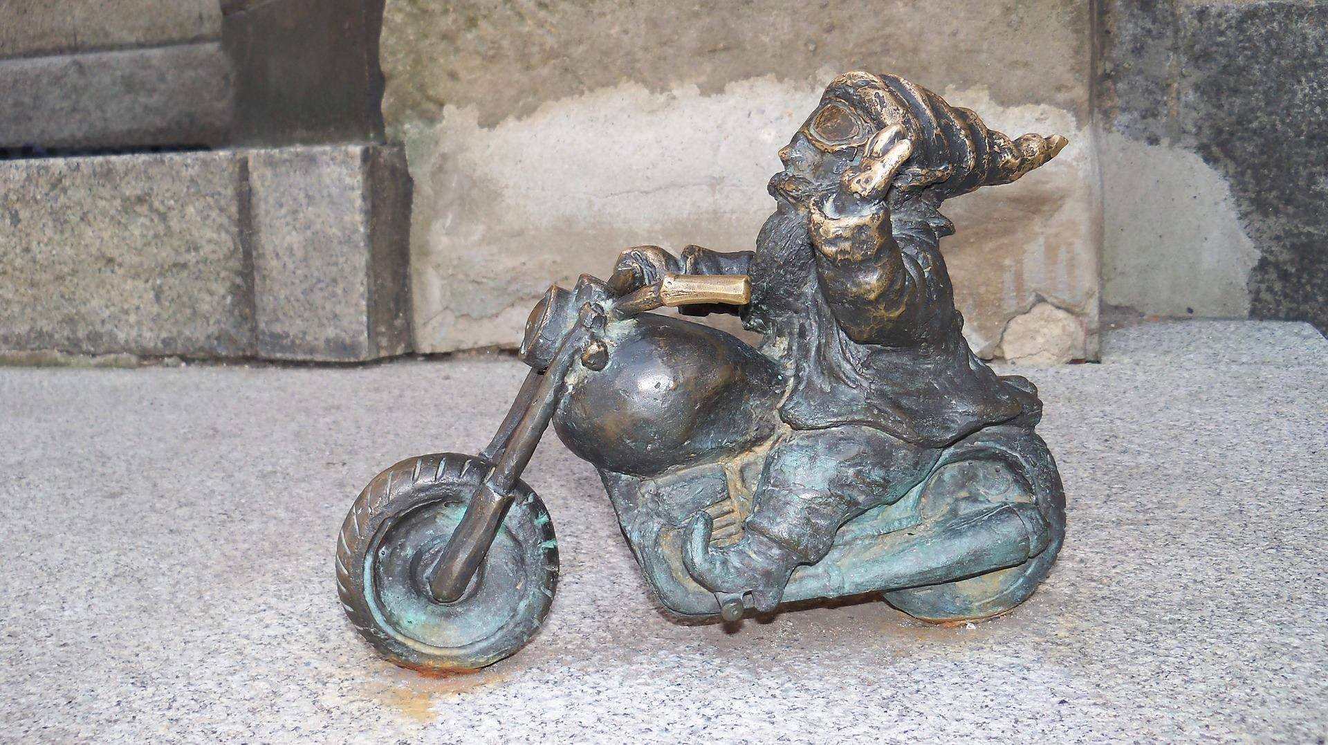 חיפוש פסלוני גמדים